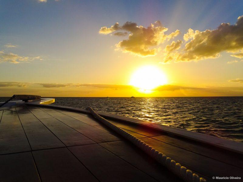 Pôr-do-sol em alto mar, no Naples Princess