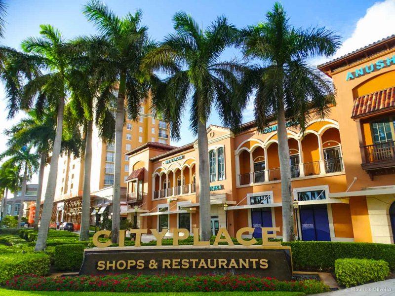 O CityPlace possui excelentes lojas, bares e restaurantes... com ótima localização e fácil acesso