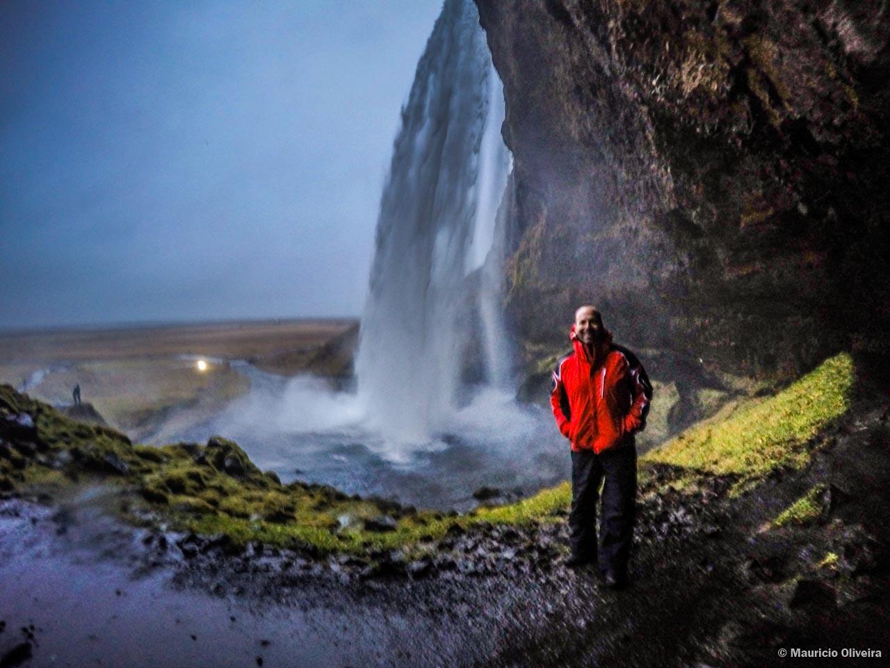 Seljalandsfoss era a cachoeira que eu mais queria conhecer na Islândia