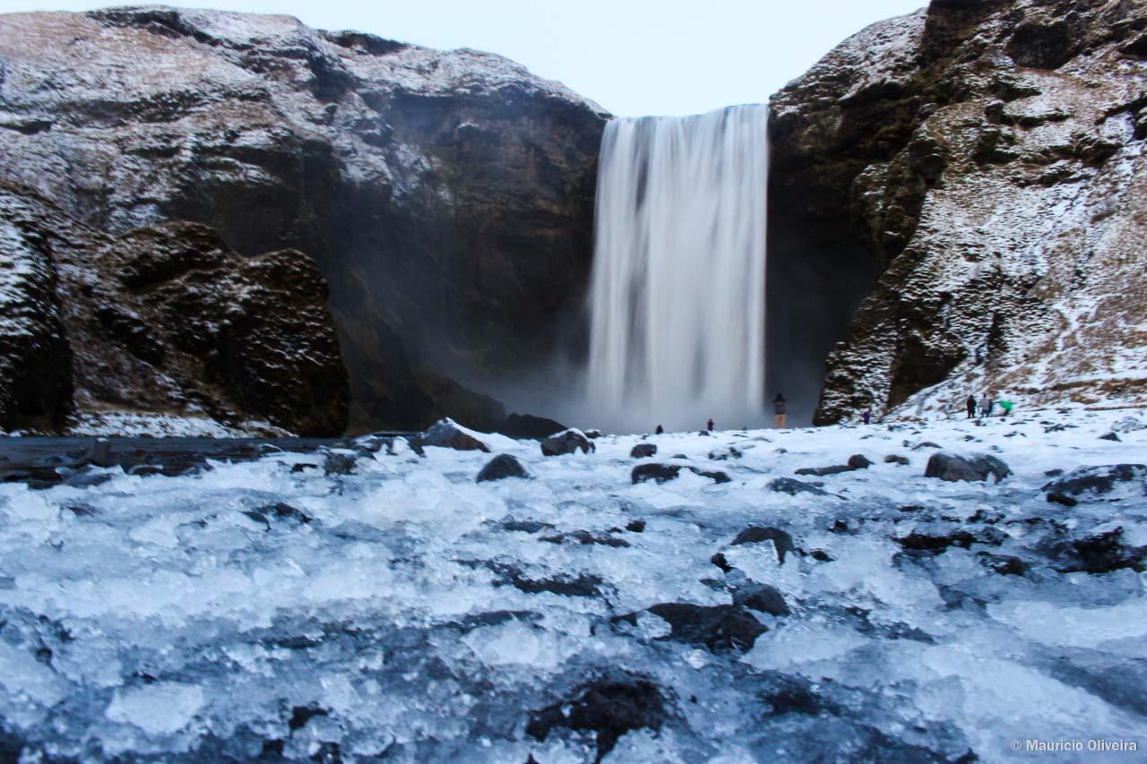 O inverno estava apenas começando em Skógafoss