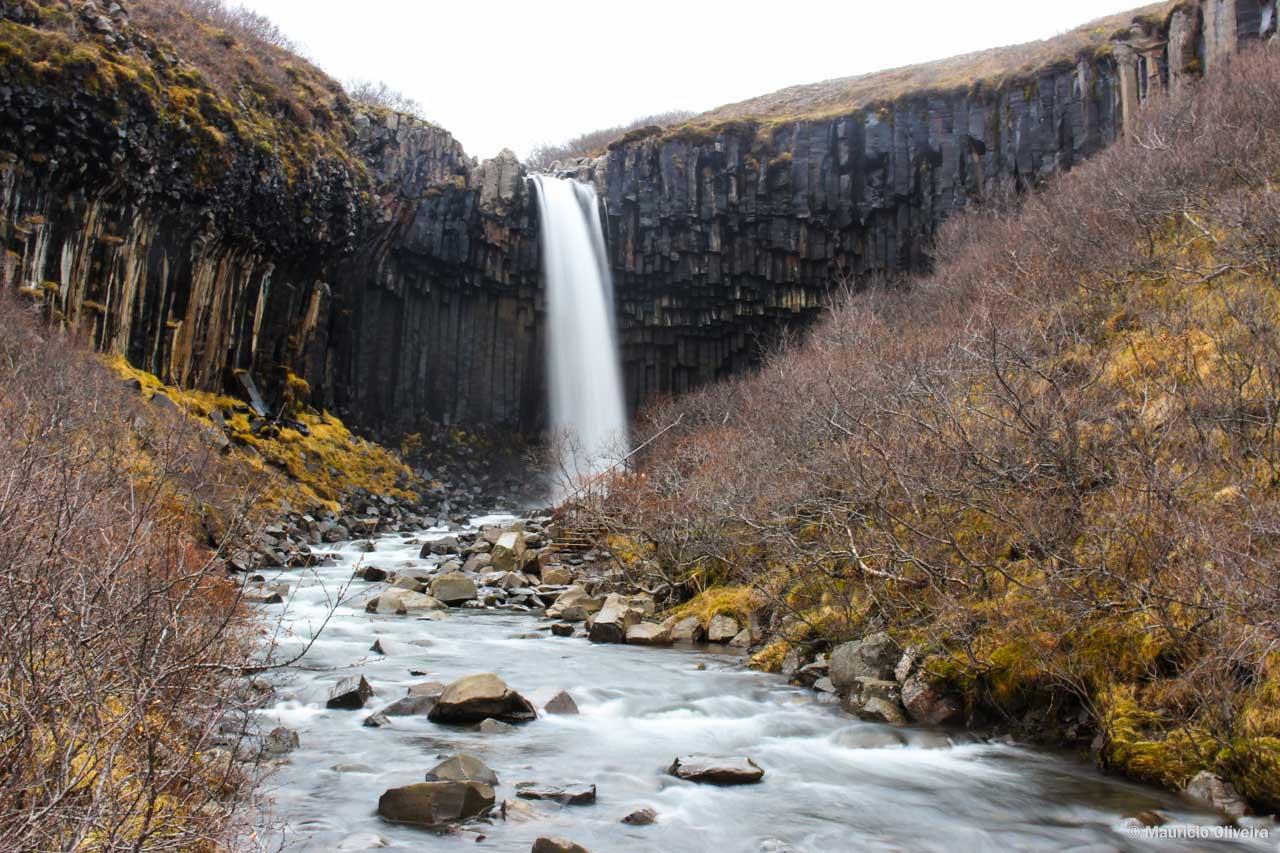 Svartifoss é, sem dúvidas, uma das Cachoeiras mais incríveis da Islândia