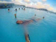 Relaxando no Blue Lagoon na Islândia