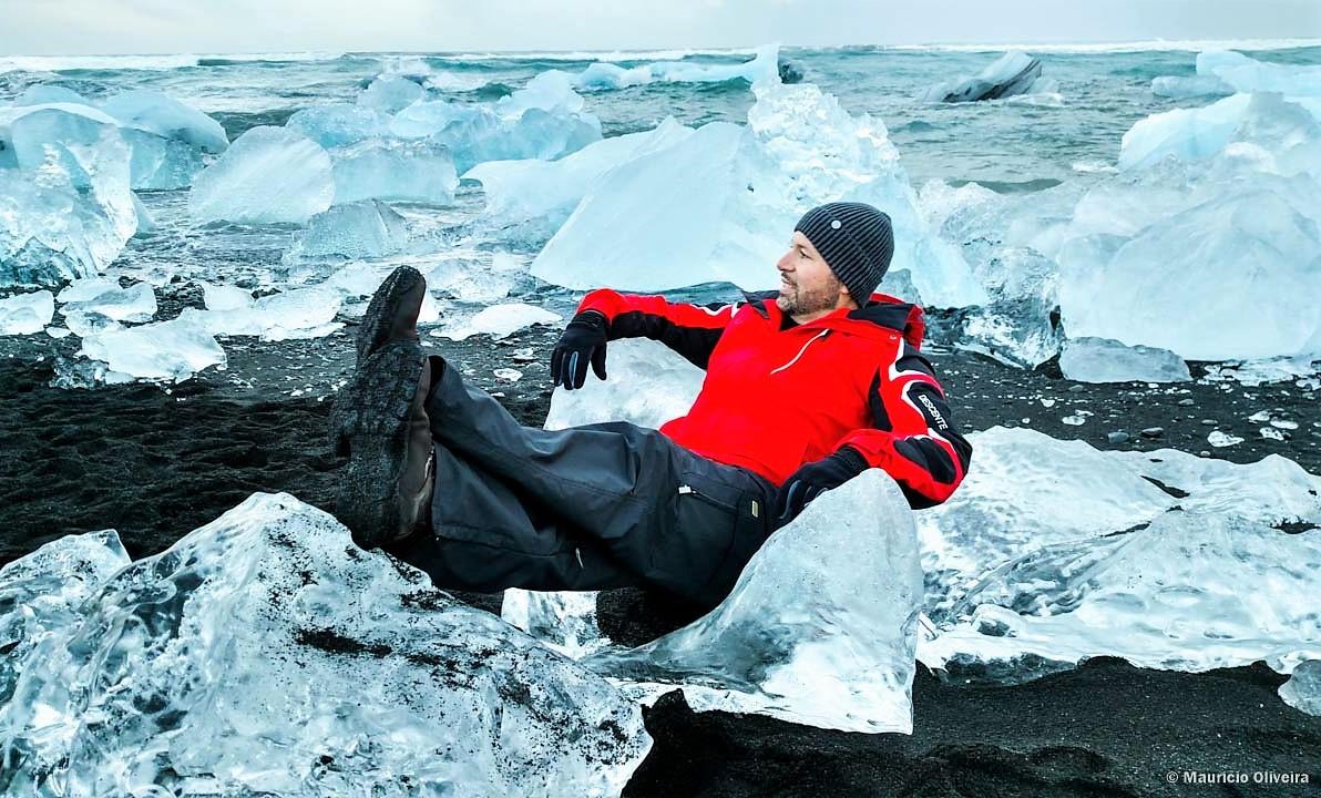"""Meu """"Trono de Gelo"""" na praia de icebergs na Islândia"""