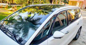A versão Intensive do Citroen Grand C4 Picasso tem teto panorâmico!