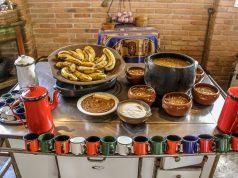 Barreado, típica gastronomia de Morretes