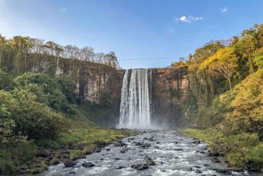 Parque Natural Municipal Salto do Sucuriú, em Costa Rica – MS