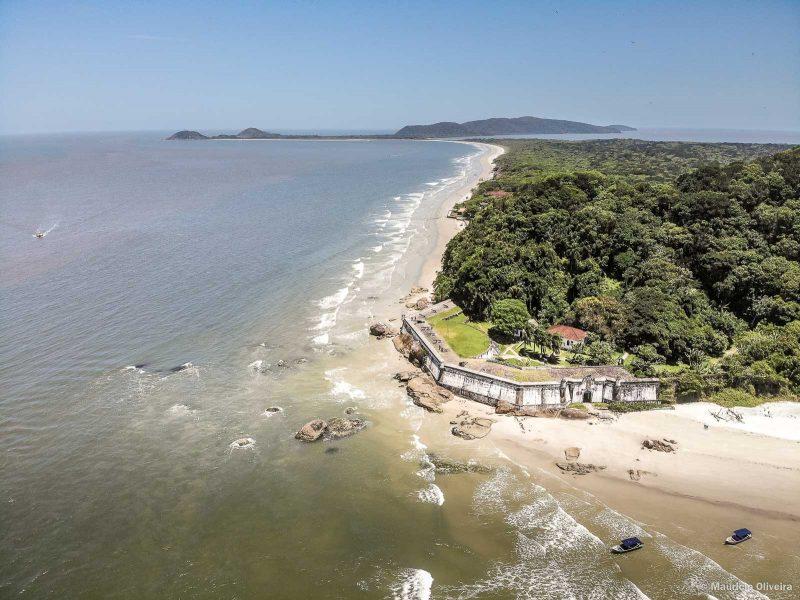 Vista aérea da Fortaleza na Ilha do Mel