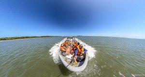 Passeio de lancha na Ilha do Mel