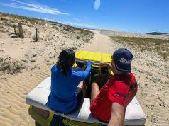 Em um passeio de bugue é possível conhecer bastante coisa em Canoa Quebrada